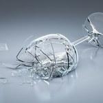 Sposoby na rozbite szkło i jajko oraz rozlany olej