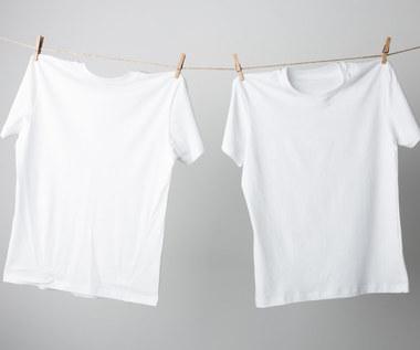 Sposoby na śnieżną biel ubrań