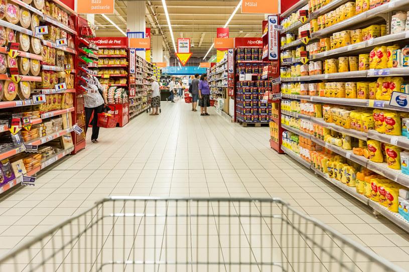 Spośród sklepów sprzedających żywność to hipermarkety zdecydowanie najmocniej ucierpiały w wyniku pandemii /123RF/PICSEL