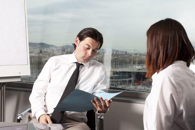 Spotkania służbowe nie zawsze przynoszą korzyści biznesowe /123RF/PICSEL