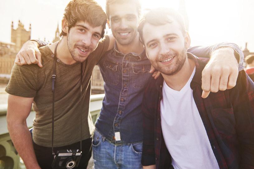 Spotkania w gronie przyjaciół i podróże nigdy nie są złym pomysłem! /123RF/PICSEL