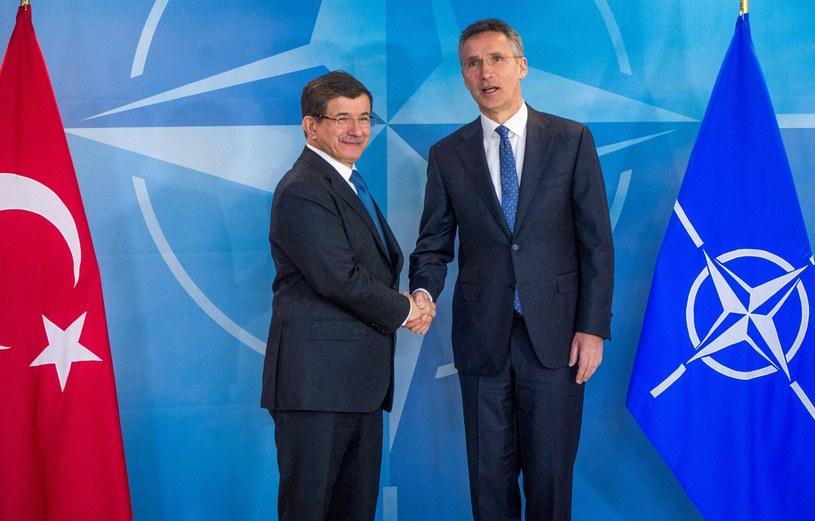Spotkanie Ahmeta Davutoglu i Jensa Stoltenberga w Brukseli /STEPHANIE LECOCQ  /PAP/EPA