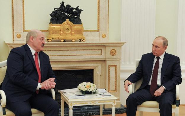 Spotkanie Alaksandra Łukaszenki i Władimira Putina w Moskwie 22 kwietnia /MIKHAIL KLIMENTYEV / KREMLIN / SPUTNIK POOL /PAP/EPA