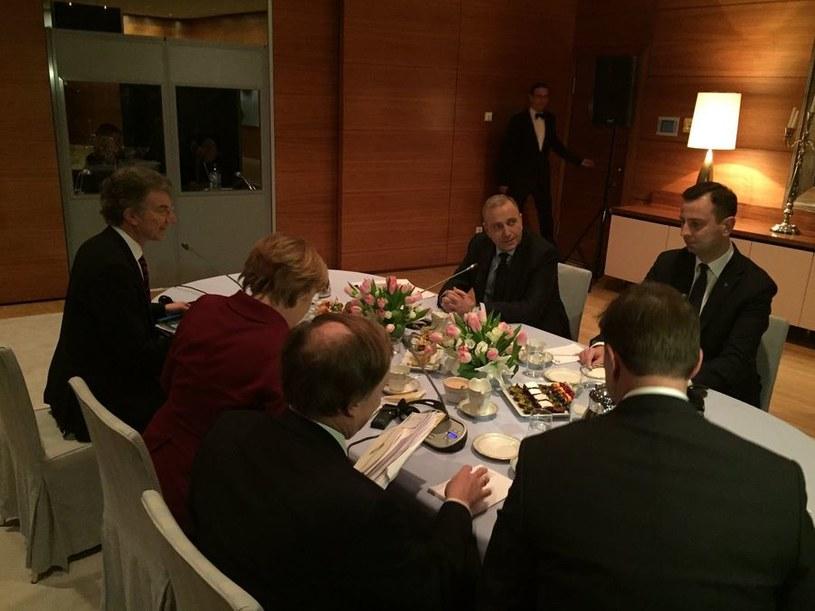 Spotkanie Merkel ze Schetyną i Kosiniakiem-Kamyszem /Twitter