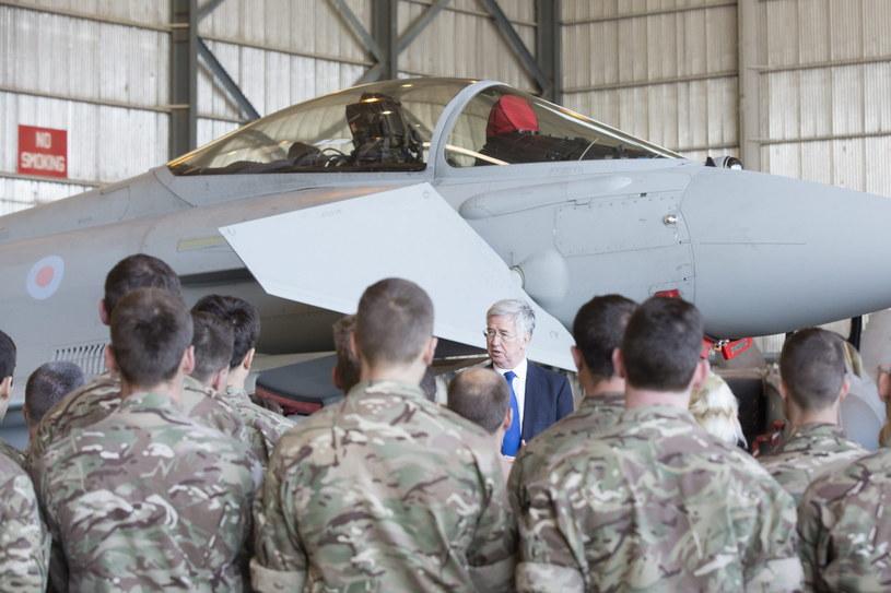 Spotkanie minister obrony Michaela Fallona z brytyjskimi żołnierzami /PAP/EPA
