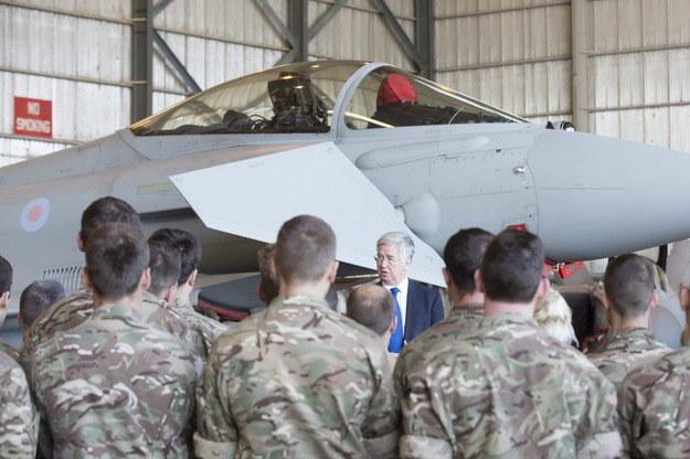 Spotkanie minister obrony Michaela Fallona z brytyjskimi żołnierzami /AFP