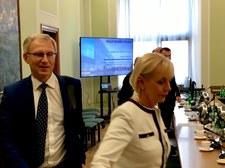 Spotkanie polityków PiS z Philip Morris Polska. Brudziński: Nie ma co tej sprawy zamiatać pod dywan