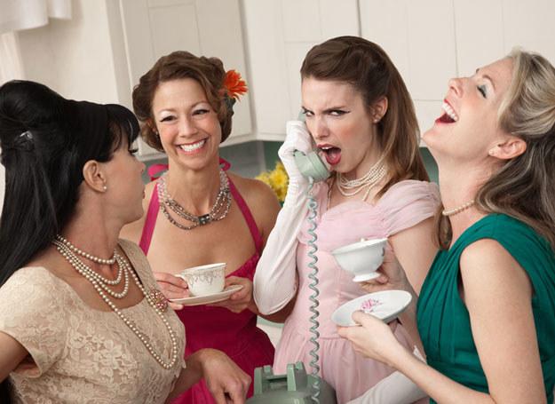 Spotkanie z przyjaciółką działa czasem jak wizyta u najlepszego psychologa /© Panthermedia