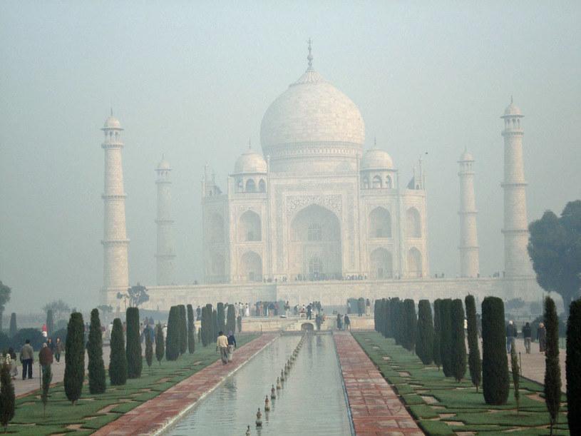 Spowity mgłą Taj Mahal: Najsłynniejszy zabytek Indii /Artur Wróblewski /INTERIA.PL