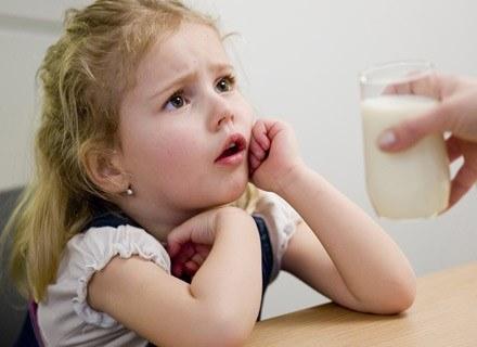 Spożycie tłustego mleka ma wpływ na wagę dziecka