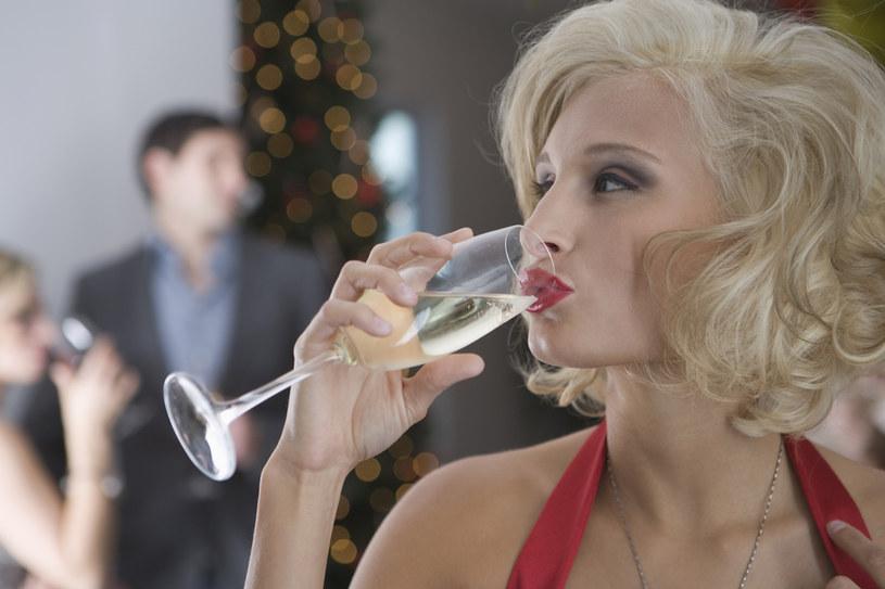 spożywanie alkoholu /© Photogenica