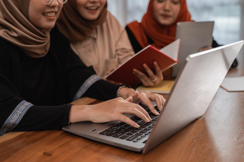 Sprawa dotyczyła kobiet, które nosiły w swoich miejscach pracy hidżab/Zdj. ilustracyjne /123RF/PICSEL