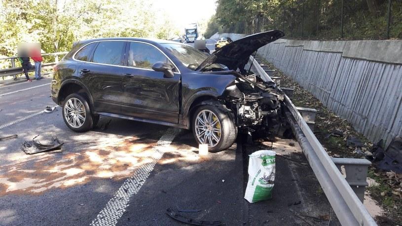 Sprawcą wypadku jest kierowca tego cayenne /