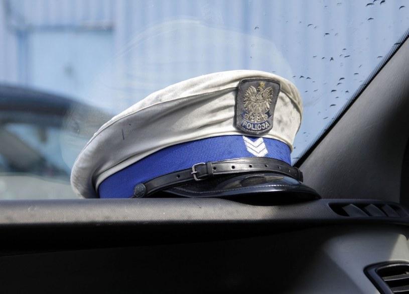 Sprawcą wypadku okazał się 26-letni policjant. /Leszek Rusek /Reporter