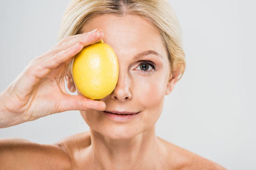 Sprawdź, co jeść, żeby powstrzymaś starzenie się skóry /123RF/PICSEL