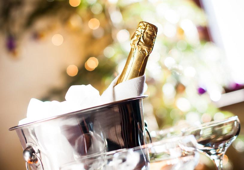 Sprawdź, co powinno się wiedziec o szampanie /123RF/PICSEL