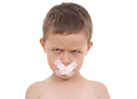 Sprawdź, co robić, gdy twoje dziecko nie zachowuje się jak należy /ThetaXstock