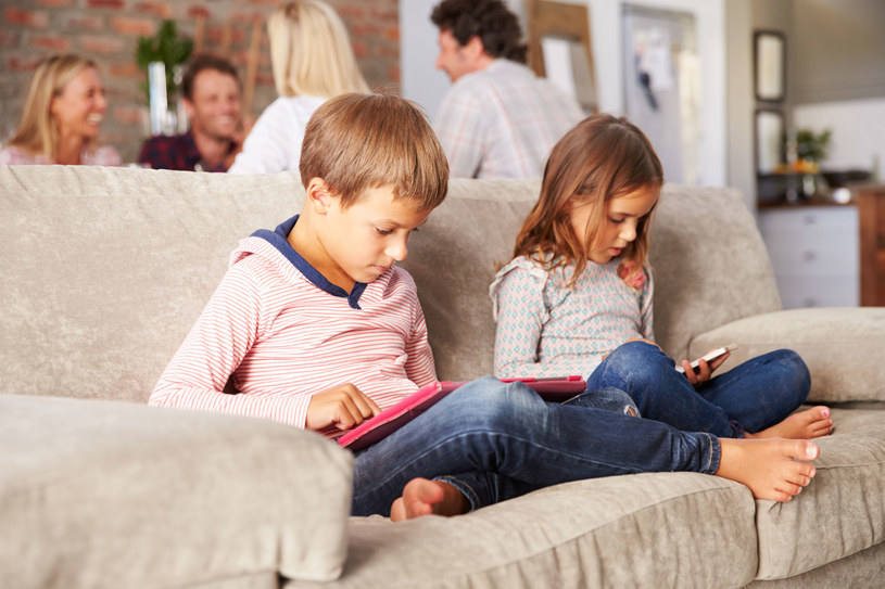 Sprawdź, czy wiesz jak chronić dziecko przed cyberprzemocą /123RF/PICSEL