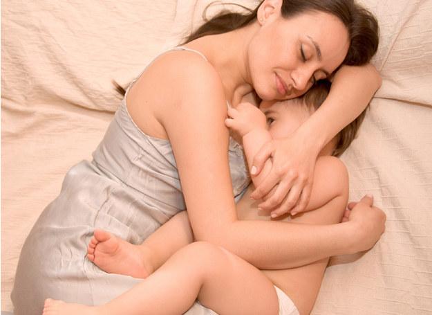 Sprawdź, jak ułatwić dziecku oddychanie podczas choroby /123RF/PICSEL