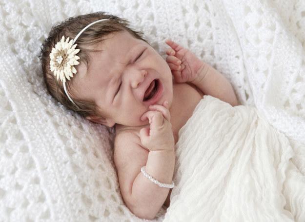 Sprawdź, jaki może być powód płaczu dziecka /123RF/PICSEL
