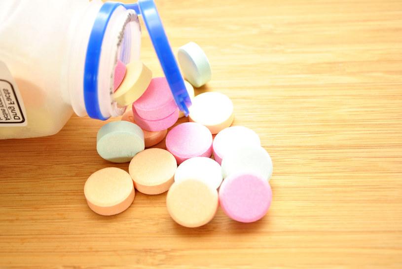 Sprawdź, których leków ze sobą nie łączyć /©123RF/PICSEL
