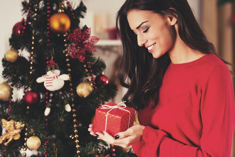 Sprawdź nasze pomysły na prezenty dla niej /Adobe Stock