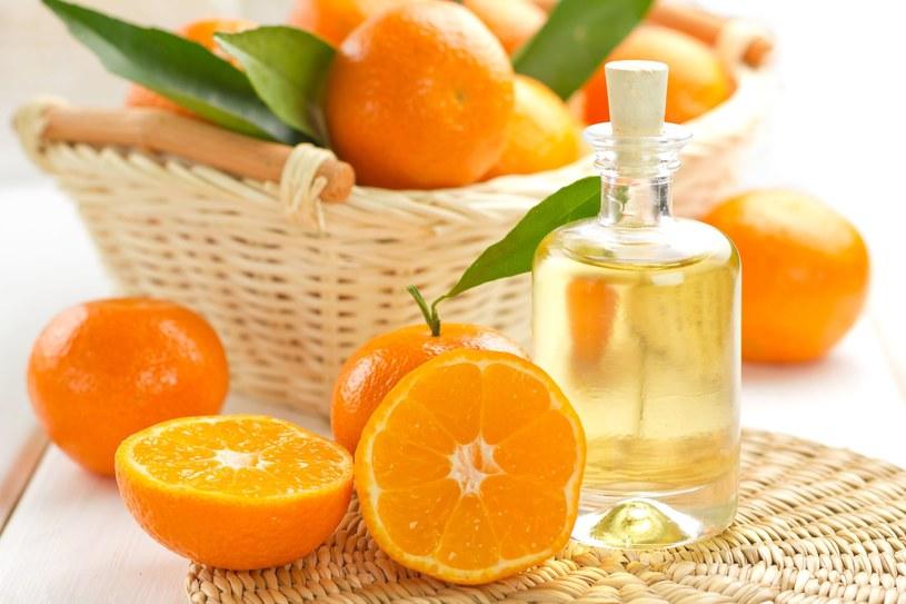 Sprawdź przepis na pomarańczowe pachnidło /123RF/PICSEL