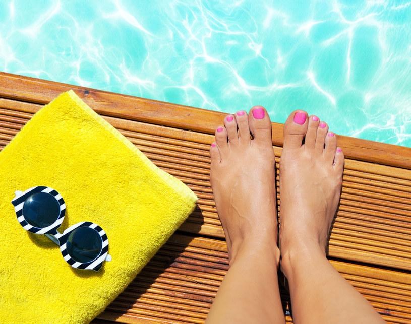 Spróbuj prostej kuracji i przygotuj swoje stopy na lato /123RF/PICSEL