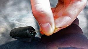 Spryskiwacze regulujemy szpilką lub igłą. /Motor