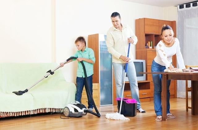 Sprzątanie domu porady /© Photogenica