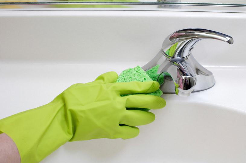 sprzątanie łazienki często /© Photogenica
