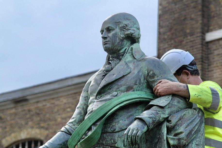 Sprzed Muzeum Londyńskich Doków usunięty został pomnik żyjącego na przełomie XVIII i XIX w. kupca, plantatora i właściciela niewolników Roberta Milligana /AA/ABACA /PAP
