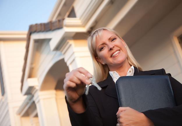 Sprzedając mieszkanie warto się przygotować /Emmerson