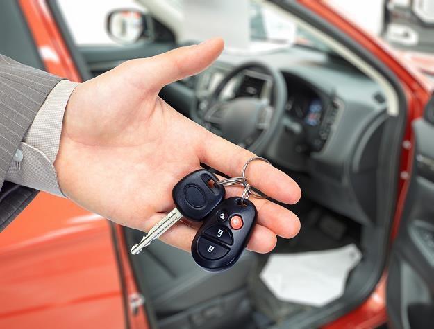 Sprzedajesz auto z wadą, o której nie wiesz? Twój portfel może to boleśnie odczuć /©123RF/PICSEL