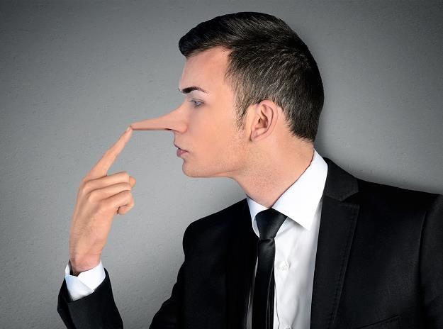 Sprzedawcy manipulują klientami /©123RF/PICSEL