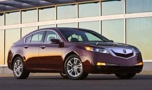 Sprzedaż następcy spadła o ponad 1/3. /Acura