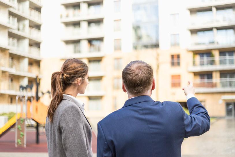 Sprzedaż nowych mieszkań spadła o jedną piątą /123RF/PICSEL