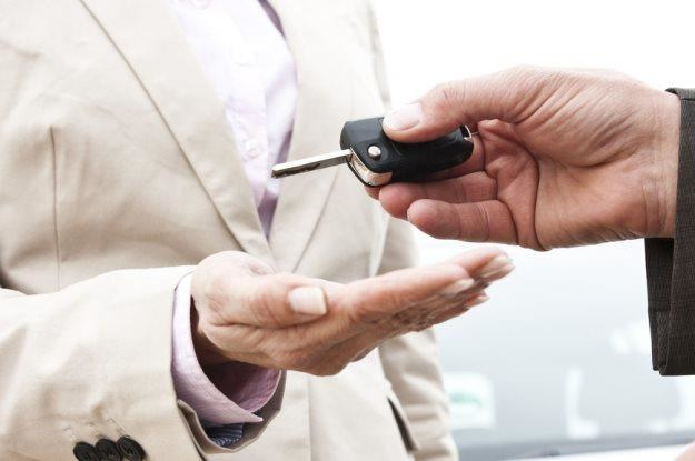 Sprzedaż samochodu również niesie ryzyko / Fot: Image Broker /East News