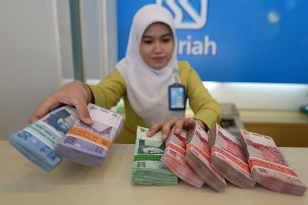 Sprzedaż wierzytelności jest sprzeczna z szariatem /AFP