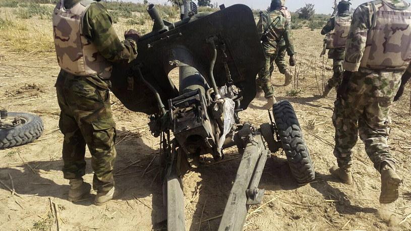 Sprzęt Boko Haram przechwycony przez siły nigeryjskie w pobliżu Maiduguri /PAP/EPA