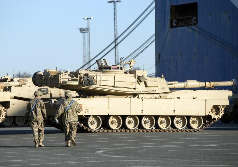 Sprzęt wojskowy USA dla wschodniej flanki NATO /PAP/EPA