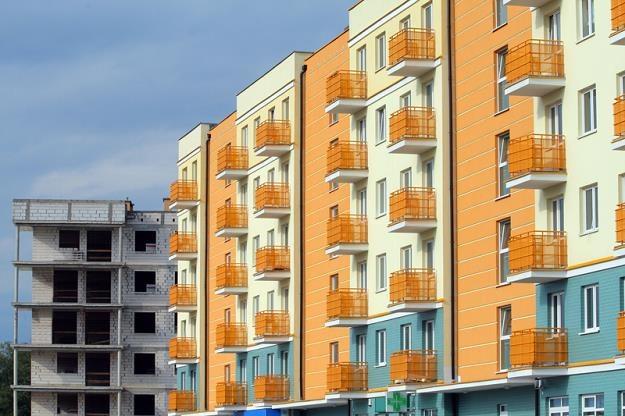 Średnia powierzchnia mieszkań i domów oddawanych przez deweloperów maleje już od 2008 r. /© Panthermedia