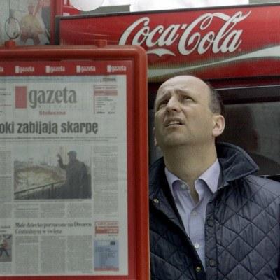 """Średnia sprzedaż """"Gazety Wyborczej"""" w sierpniu spadła o 10,2 proc. rok do roku /AFP"""