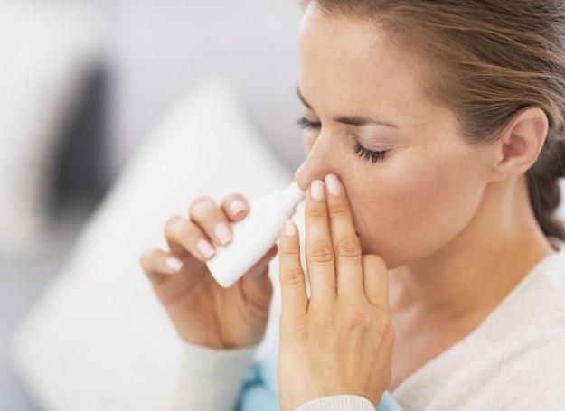 Środki udrażniające nos stosowane zbyt długo mogą przynieść więcej złego niż się spodziewamy! /123RF/PICSEL