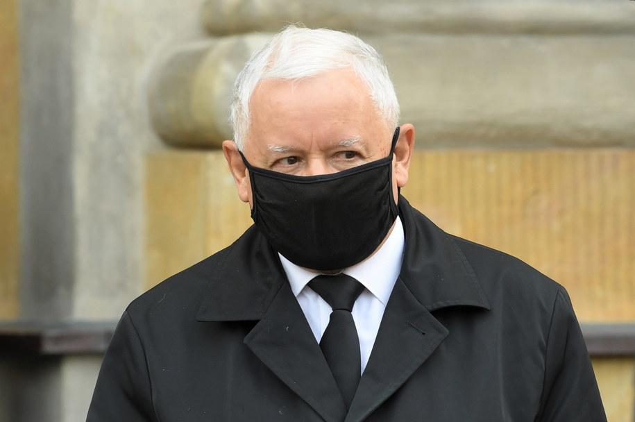 Środowa prasa twierdzi, że Jarosław Kaczyński mógłby wejść do rządu / Radek Pietruszka   /PAP
