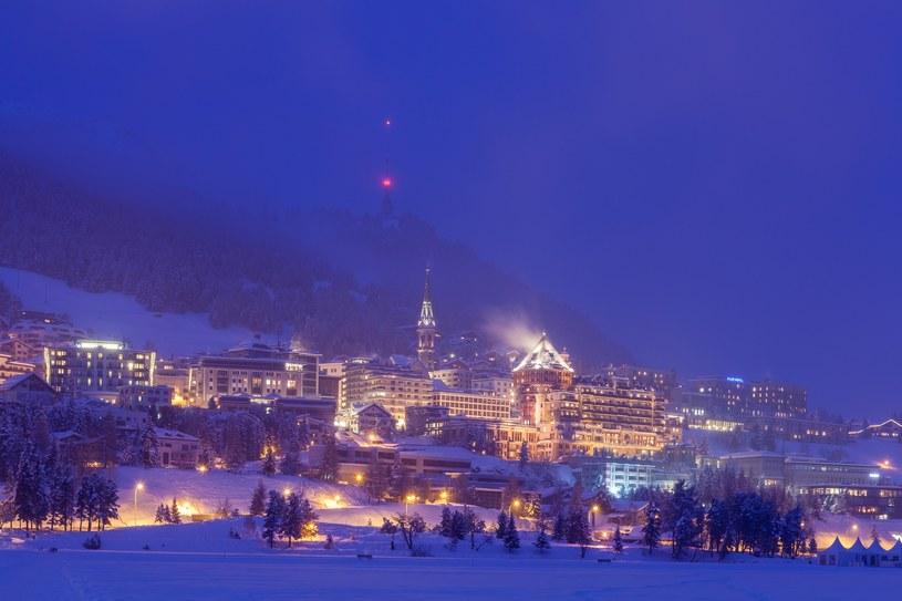 St. Moritz szczególnie pięknie wygląda nocą /ARKADIUSZ ZIOLEK /East News