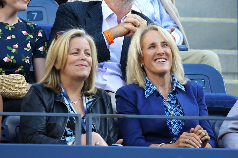 Stacey Allaster (z lewej) podczas US Open w towarzystwie byłej tenisistki Tracey Austin /Newspix /Newspix