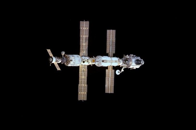 Stacja kosmiczna ISS w 2000 roku /materiały prasowe