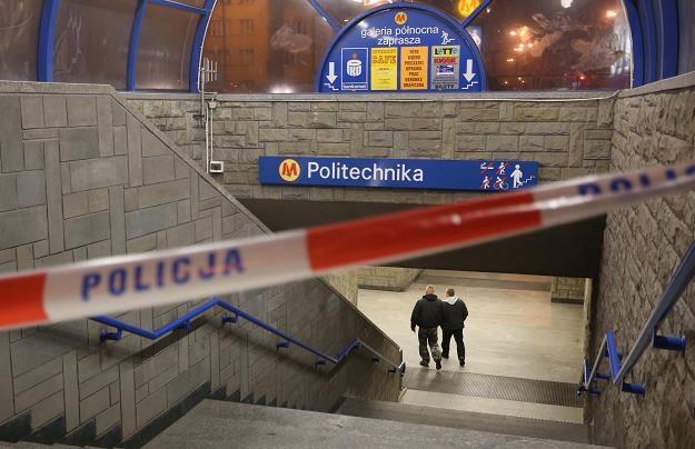 Stacja metra Politechnika była zamknięta po wybuchu pożaru, fot. Krystian Maj /Agencja FORUM