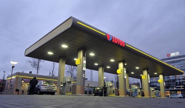 Stacje nie utrzymają się tylko ze sprzedaży paliw / Fot: Przemek Świderski /Reporter